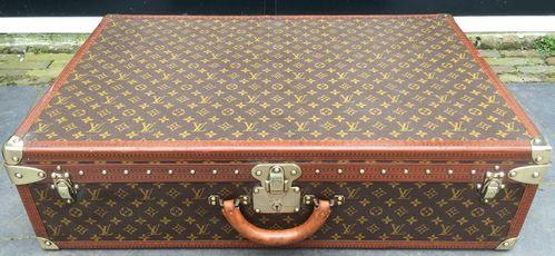 1a8d80bd7029 Vintage Louis Vuitton Alzer 80 suitcase - Pinth Vintage Luggage