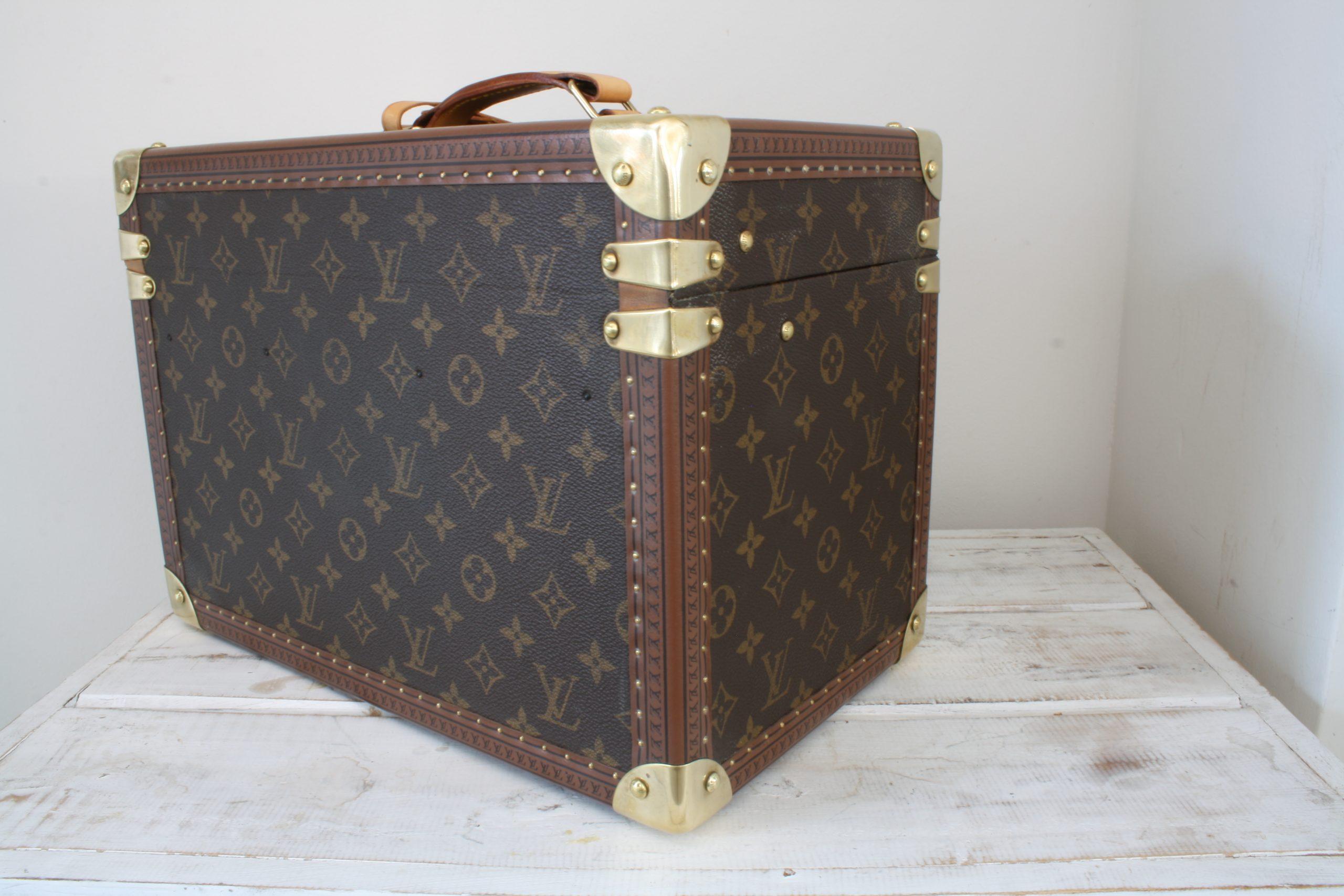 vintage-louis-vuitton-large-vanity-case-back-side-left