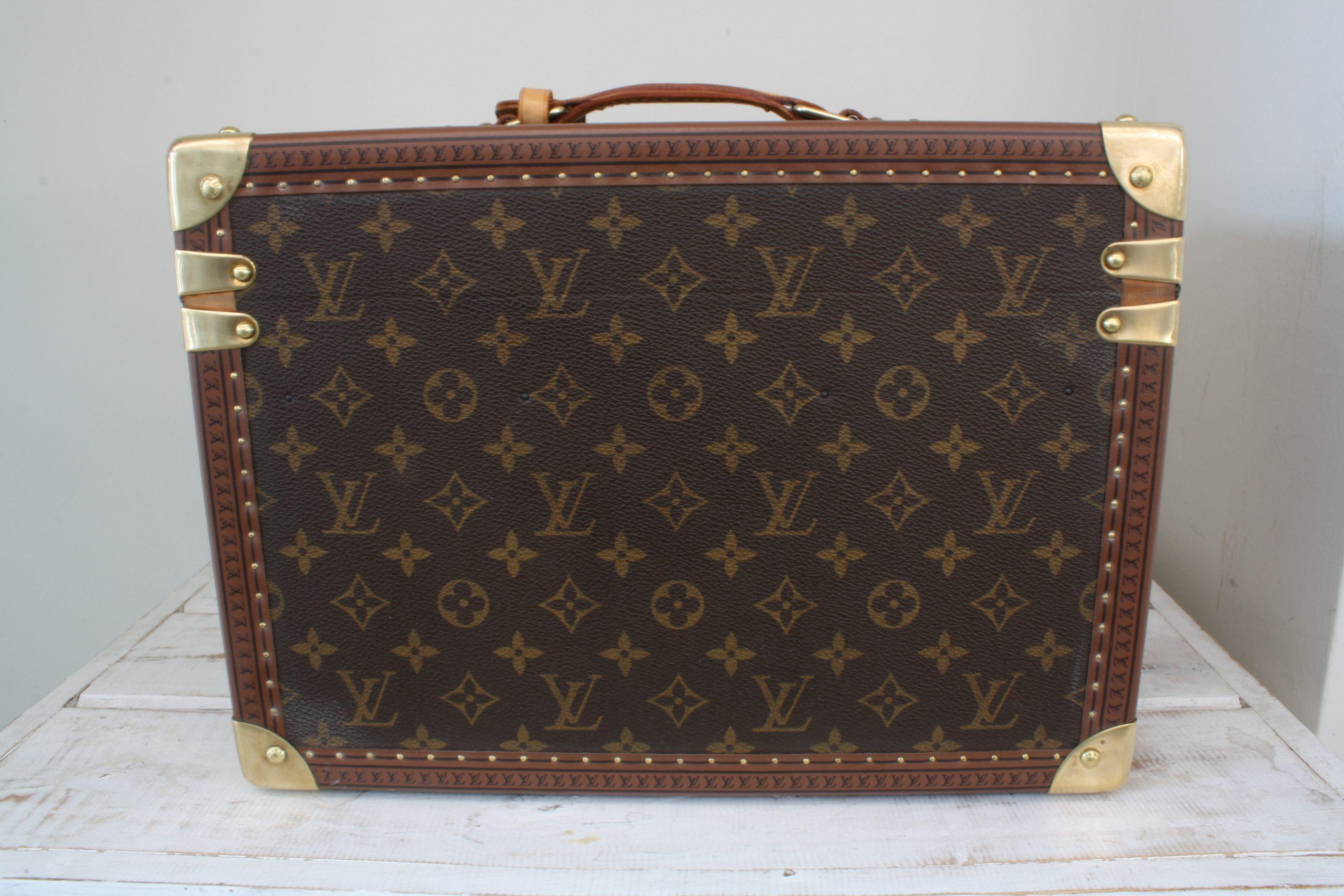 vintage-louis-vuitton-large-vanity-case-back-side