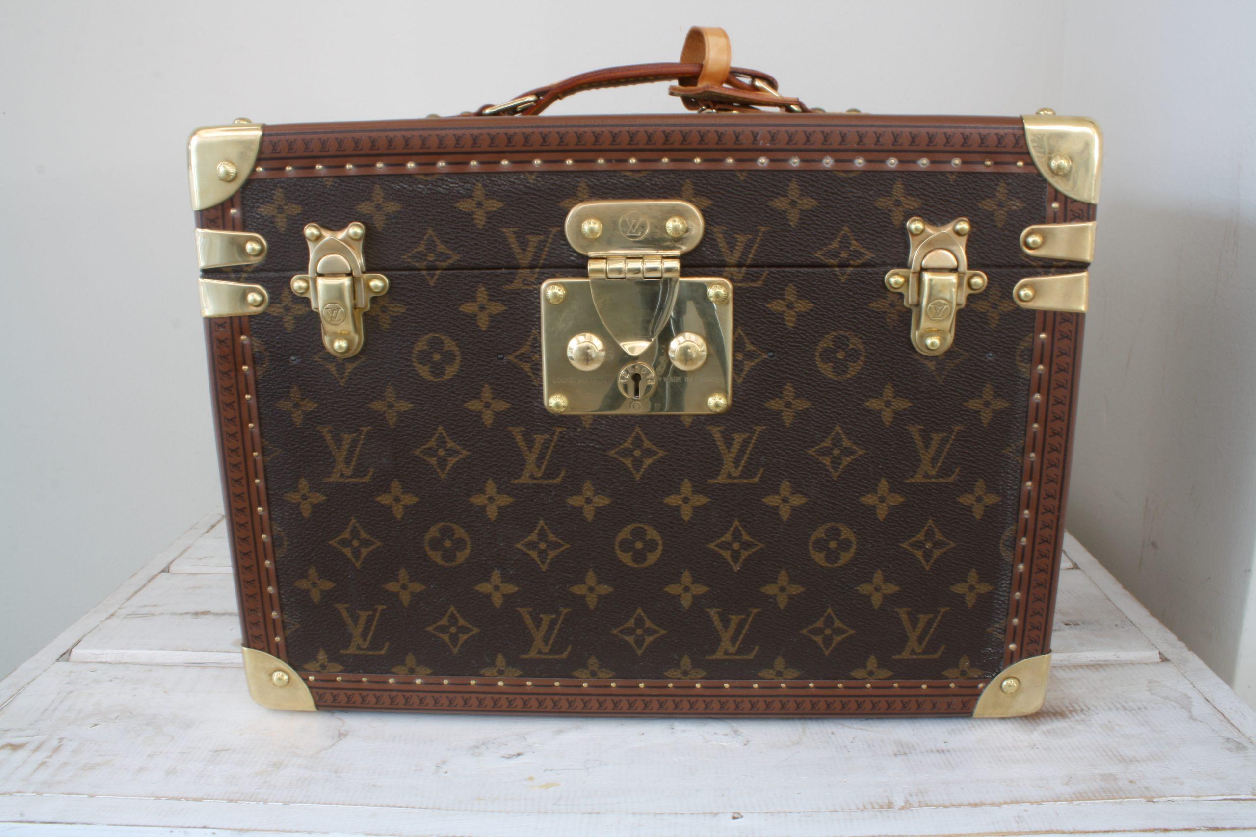 vintage-louis-vuitton-large-vanity-case-front