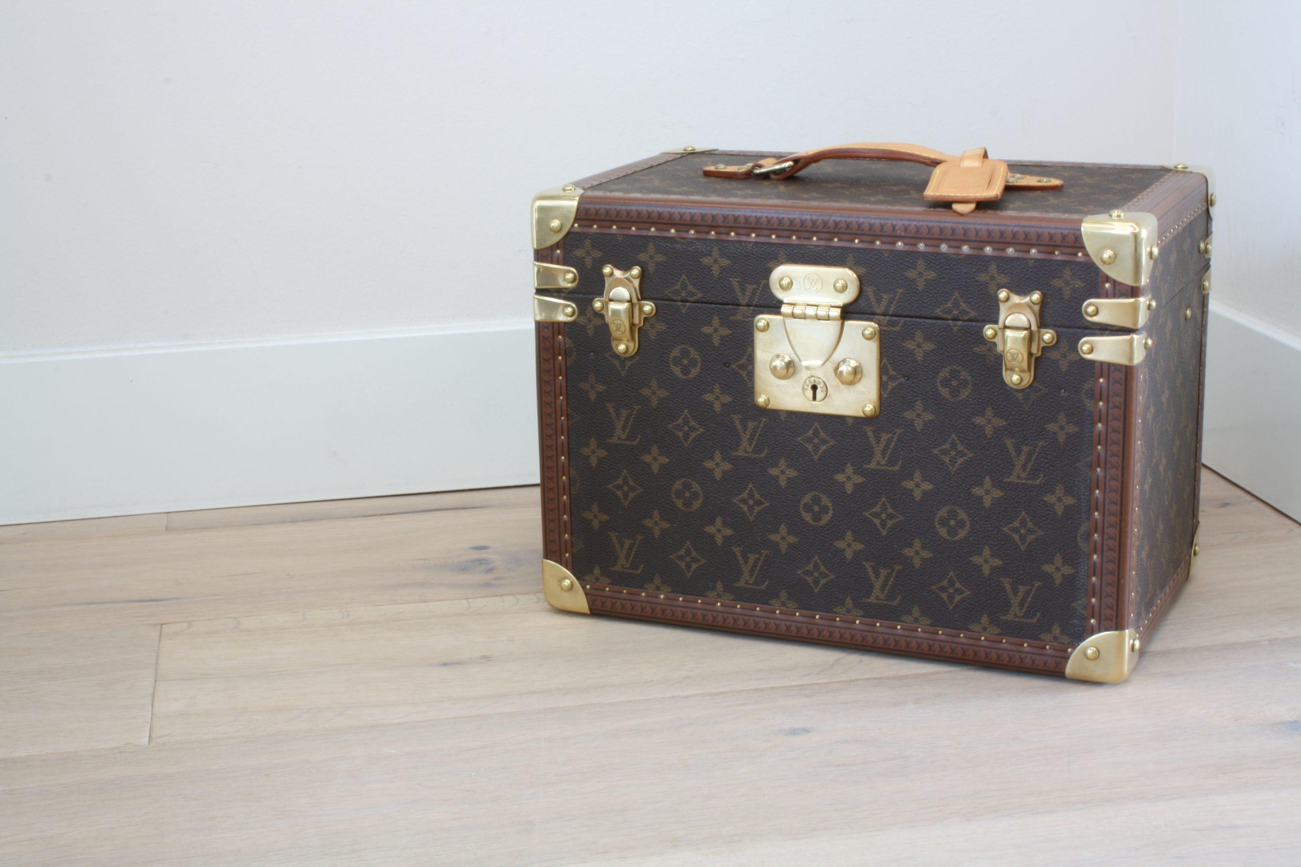 vintage-louis-vuitton-large-vanity-case