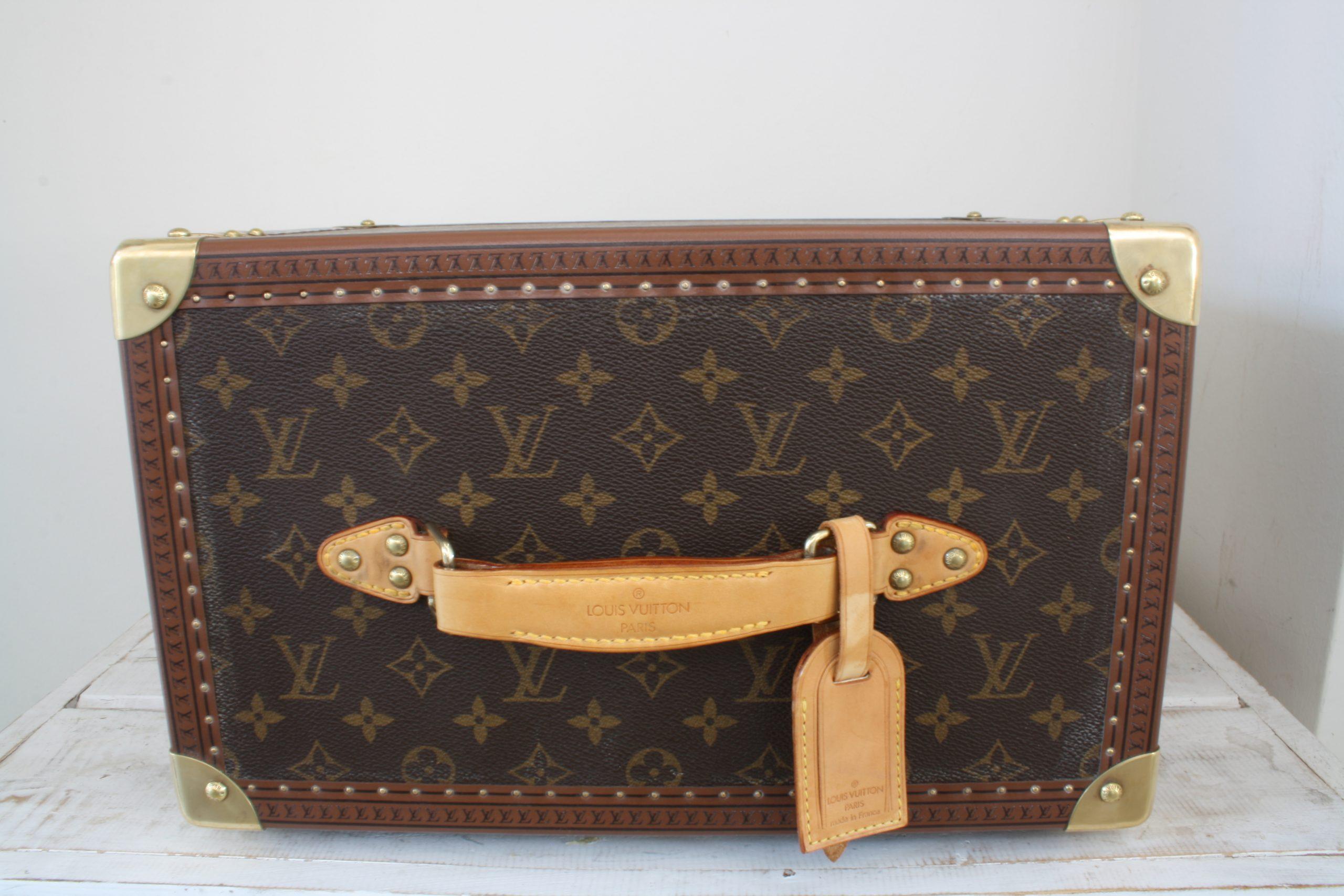 vintage-louis-vuitton-large-vanity-case-top