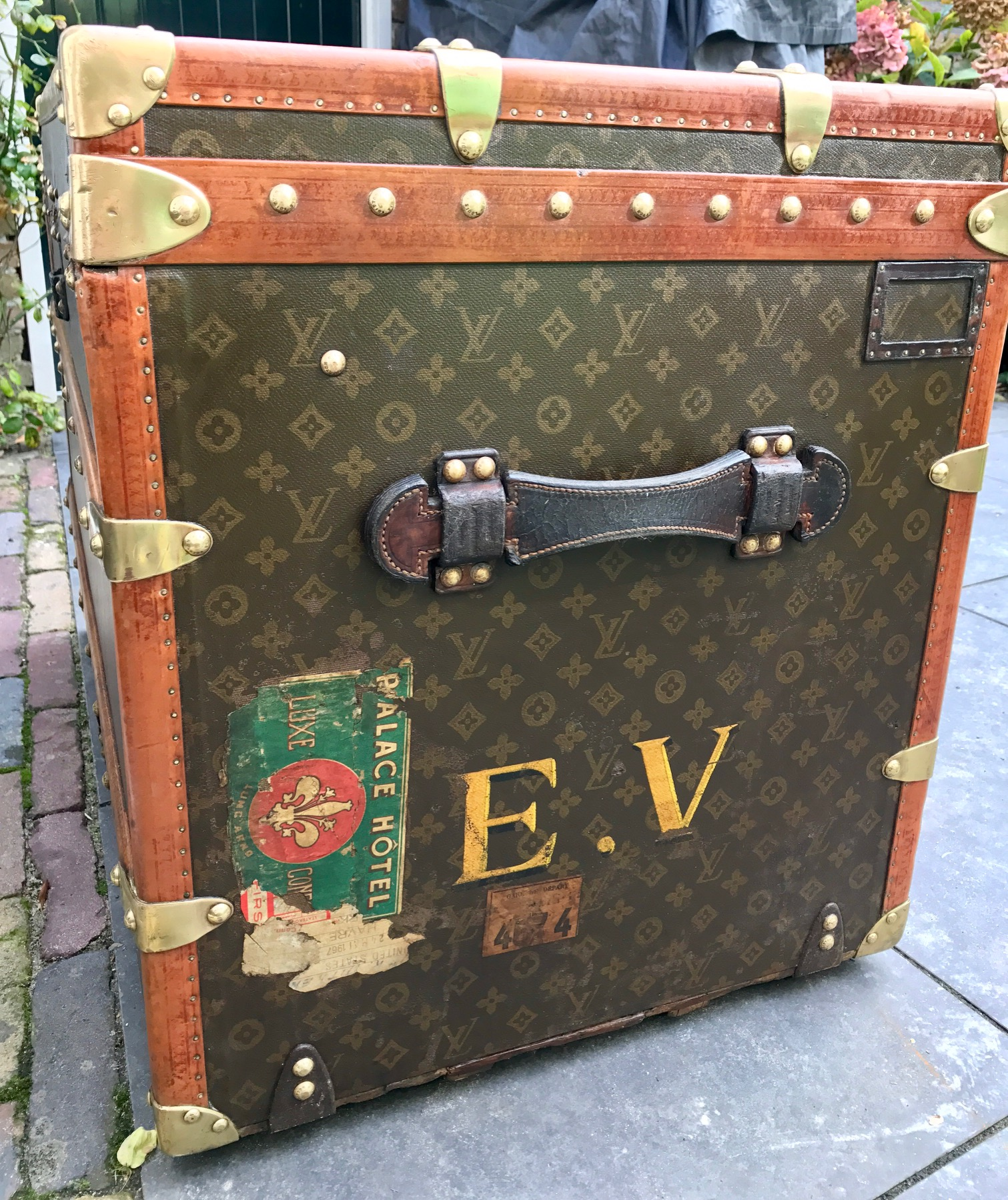 Lv Trunk Coffee Table: Vintage Louis Vuitton Coffee Table Trunk E.V.