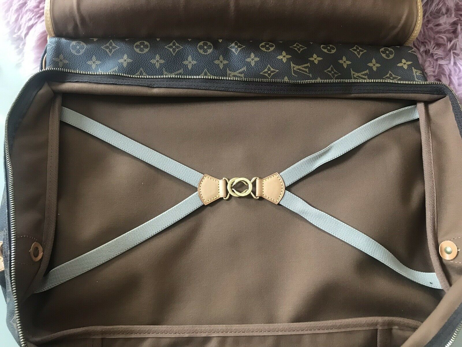LV Sac Chasse open